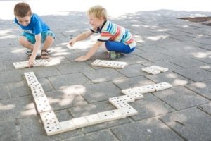 Domino i haven eller gården